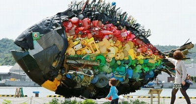 The management of imported waste materials in China needs to be strictly controlled.